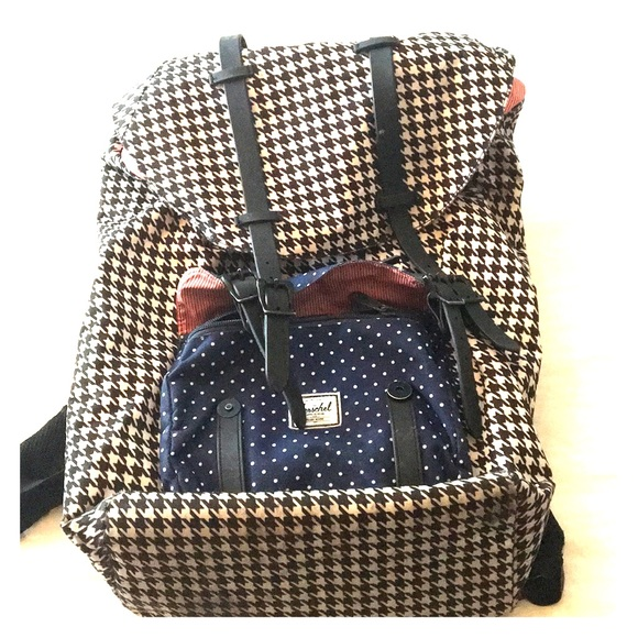 68cbebe91b Herschel Supply Company Handbags - Herschel houndstooth backpack